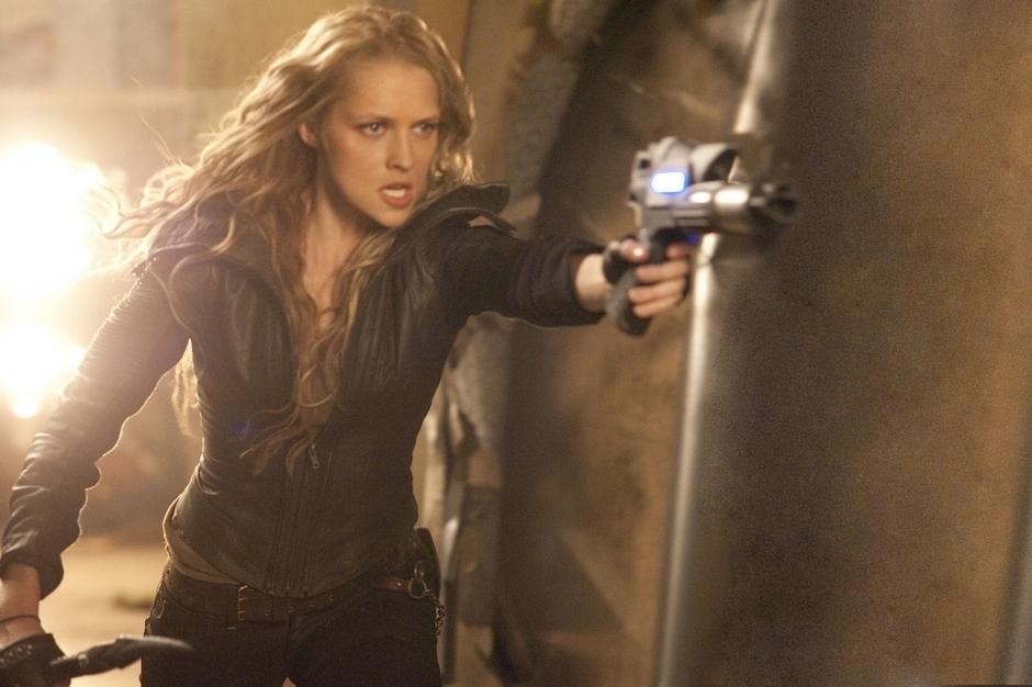 Teresa Palmer's got firepower: The Aussie Blonde Bombshell ... I Am Number Four Teresa Palmer