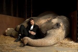 "Robert Pattinson in ""Water For Elephants"" - (20th Century Fox)"
