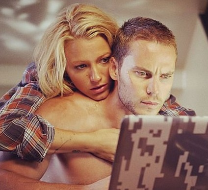 Blake Lively and Taylor Kitsch in &quot;Savages&quot; - (Universal)