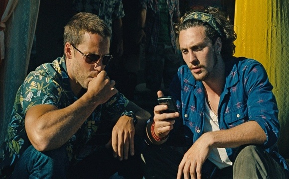 Aaron Taylor-Johnson with Taylor Kitsch in    Savages     2012    Aaron Taylor Johnson Savages Tattoo