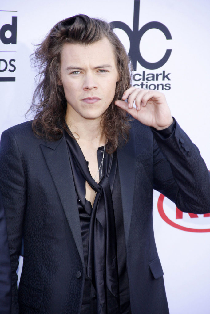 Internet is buzzing about Harry Styles as a young pick for a James Bond flick, and longtime editor of Christopher Nolan's films suggested it.